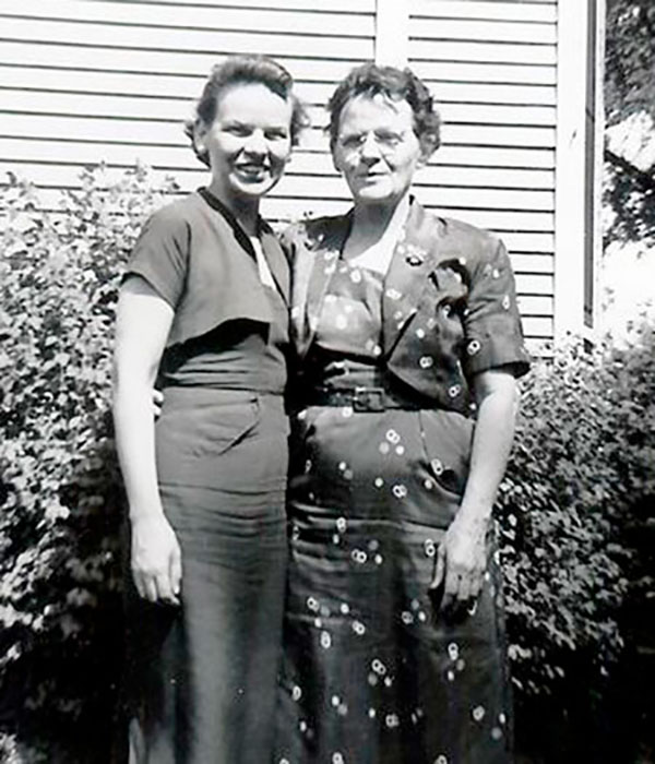 Helen Mae Norman Edwards, Della Williams Norman